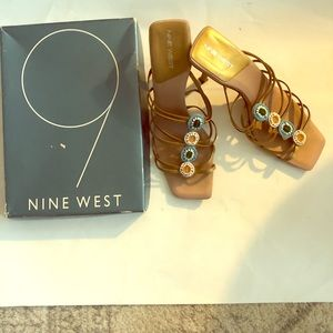9 Nine West